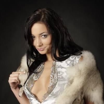 Концертное агенство Империя звезд - DJ Julia Belle